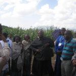 Visite de terrain dans les champs.GCOZA partout appuie les agriculteurs,les éleveurs et les femmes